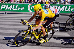 Brad Wiggins in Yellow on Champs Elysees